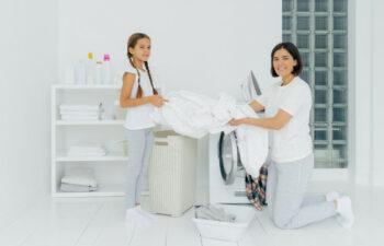 Praktyczne rozwiązania do sypialni – pranie pokrowca na materac